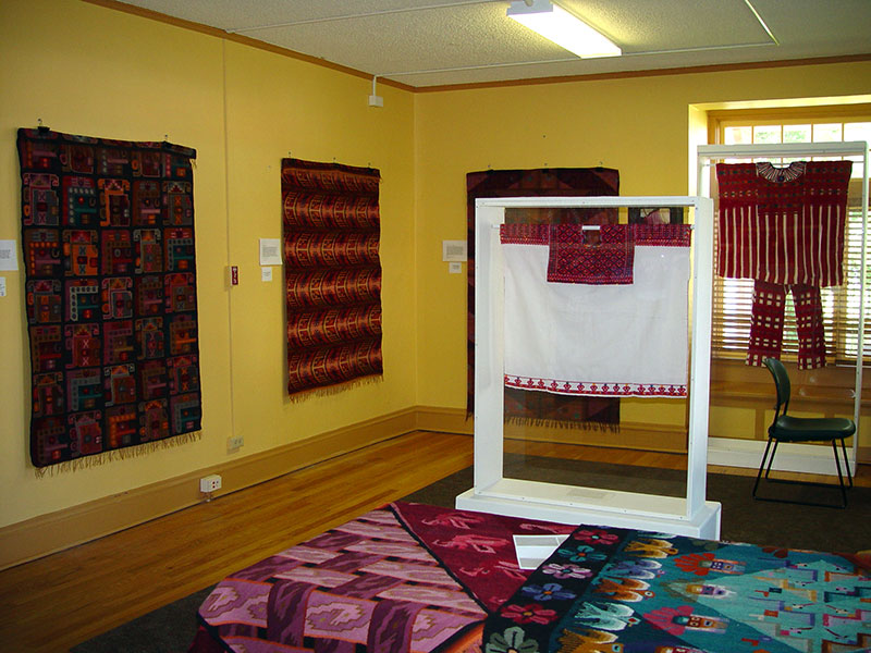 Native-Textiles-of-the-Americas_CLABS_2005